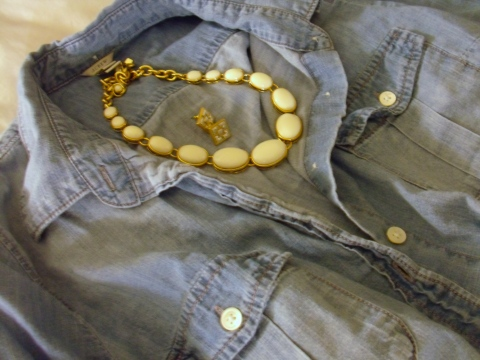 Chambray Shirt Cream Necklace